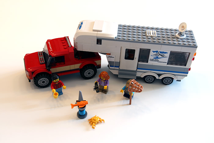 L'ensemble du set LEGO City - Le pick-up et sa caravane